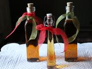 Homemade Vanilla Extract found on PunkDomestics.com