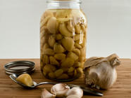 Pickled (Lacto-Fermented) Garlic