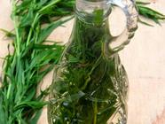 Tarragon Vinegar & Dehydrating Tarragon found on PunkDomestics.com