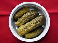 Easy Lacto-Fermented Dill Pickles