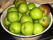 Basic Apple Jelly Recipe found on PunkDomestics.com