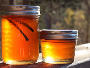 Apple Quince Jelly with Vanilla Bean
