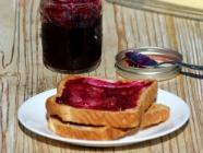 How to Make and Can Concord Grape Jam found on PunkDomestics.com