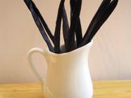 Homemade Vanilla Extract found on PunkDomestics.com