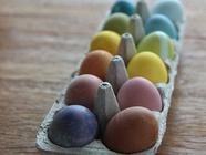 Natural Easter Egg Dyes found on PunkDomestics.com